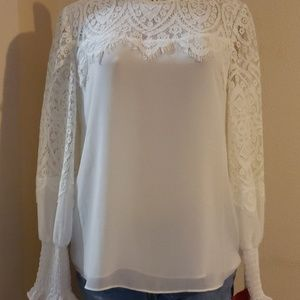 WHITE HOUSE BLACK MARKET WHITE BLOUSE WITH LACE